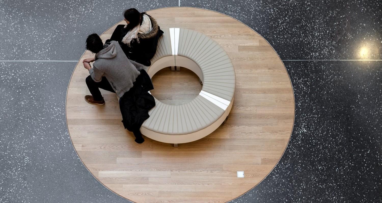 mobilier pentru spații publice
